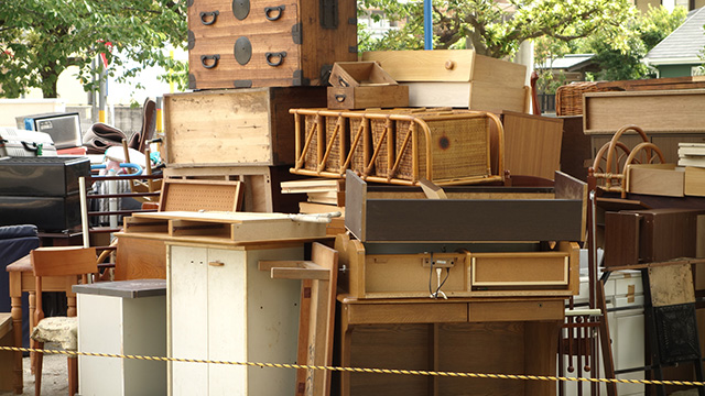 婚礼家具の処分:自治体などの回収を利用する場合